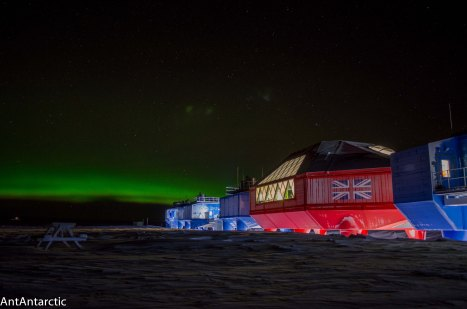 Antarctic Aurora. Halley 6